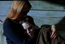 """Cloe Sevigny y Hilary Swank en Boys don't Cry: ejemplo de lo dantesco que puede ser el cine promovido desde el sur de California, aunque sea """"independiente"""""""
