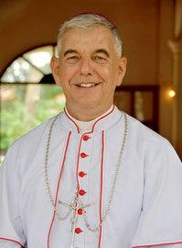 Monseñor Enrique Figaredo, SJ, prefecto apostólico en Camboya, un  héroe del amor, de la rebelión de la esencia