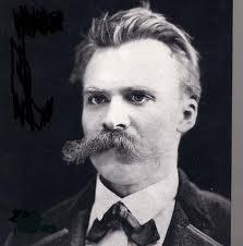 Nietzsche, inspirador de tiranos, enemigo de Dios y de la verdad, quiso acabar con la gramática, para afirmar el poder humano, ¿qué más se puede pedir de nihilismo y voluntad de poder?
