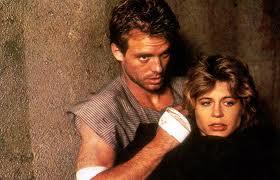 Kyle Reese y Sarah Connor uyen de l totalitario Terminator