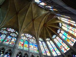 El Coro de Suger en Saint Denis, luz natural que eleva hasta Dios: aquí, así, nace el gótico: inspiración pura