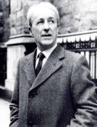 Malachias Martin, SJ, cura modernista, infiltrado en el concilio, asalariado, terminó con un Ferrari y huyendo con la esposa del que le pagaba por su guerra sucia dentro de la Gran asamblea