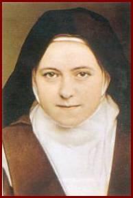 Santa Teresita de Lissieaux, que nunca salió del Carmelo, es patrona de las misiones, porque las sostuvo con la oración, como nadie. Vamos nosotros a hacerlo mismo que ella