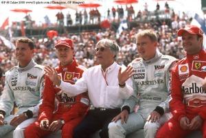 Ecclestone, con Schumacher, Hakkinen, Barrichello y Coulthard, grandes pilotos. Ecclestone es uno de los hombre más ricos del mundo, con 3,8 millardos de dólares, según Forbes... y lo que parece que no tiene es escrúpulos