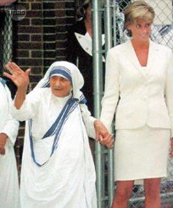 """La Madre Teresa y Lady Diana: dos bellezas, la más luminosa es la que refleja más a Dios, aunque eso, como sabía El Principito, """"sólo se ve con el corazón"""""""