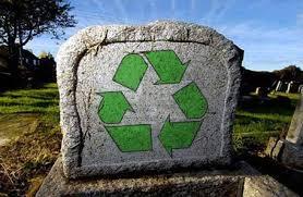 Eco-funerales: material reciclable, de cuya identidad personal no debe quedar ni el recuerdo, eso es lo que somos en la revolución