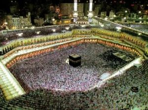 En la Meca, se reúnen los musulmanes en un a de las procesiones religiosas más impresionantes del mundo. En cuanto rendición ante el Creador, no es sino verdadero el Islam: sería una gran catástrofe que se infectara de la revolución secularista