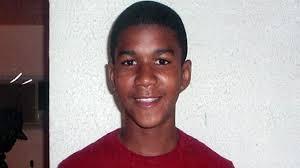 Éste también es Trayvon Martin, en una foto como la que presentaron los medios: éste sí que parece inofensivo...