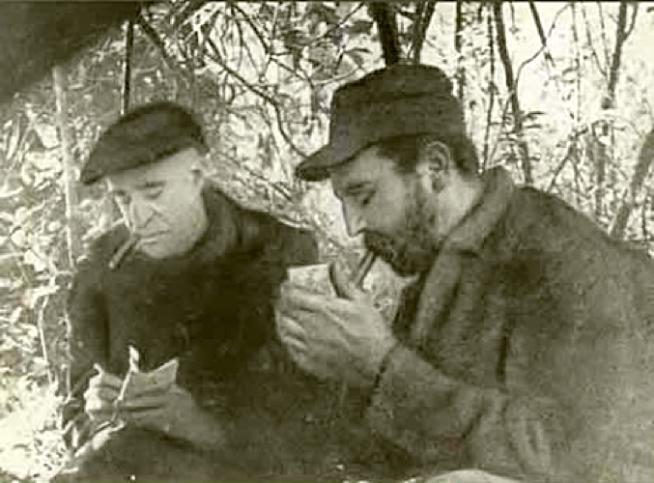 En Grecia decían: no hay héroe sin poesía épica. Aquí está el tirano con su juglar, Herbert Matthews, del New York Times